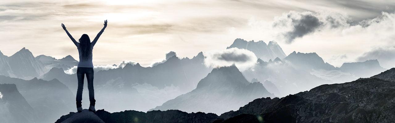 Dynamic Brands profil bilde- dame på fjell